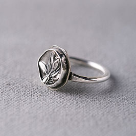 'Thyme' Garden Heirloom Ring