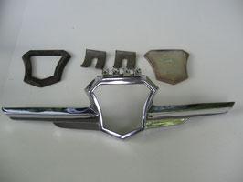 Motorhaubenemblem mit GAZ Zeichen