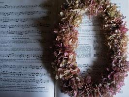 紫陽花プリザーブドフラワーのオーバルリースpk