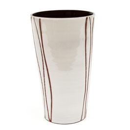 Vaas wit glazuur met verticale lijnen