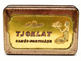 Art-nouveau blik paars van Tjoklat - Camée Pastilles uit Amsterdam #2