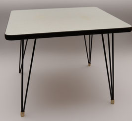 Formica tafeltje
