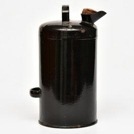 Zwarte emaille petroleumkan