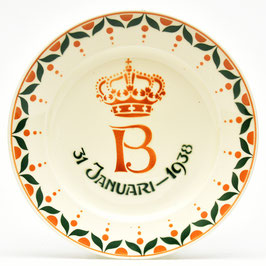 Geboortjebord Beatrix - 31 januari 1938 - (Schiedam 13) van Societe Ceramique