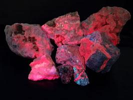 Boccheggiano type Aragoniet (Strontio-Aragonite)- (activator Samarium) * LW ++++, SW +