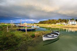 Tableau photo Alu-Dibond  - Ciel orageux sur les bateaux et le port de Kerecabellec .