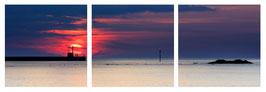 Triptyque, Coucher de soleil sur le phare de Merquel depuis Penbé.  Composé de 3 Photographies au format carré 40*40cm  sur PVC.  Dimensions  max 120*40cm