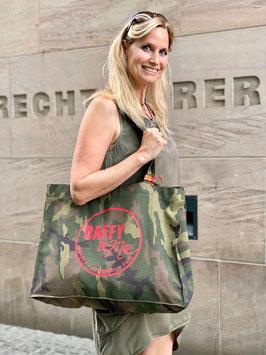 Große Shopping-Tasche Camouflage mit gestickten Logo