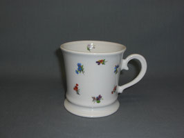 Kaffehaferl mit Streublümchen