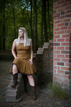 Short stringed back dress