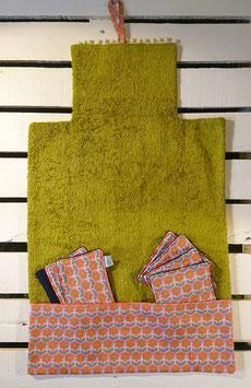 Tapis à langer nomade et lingettes lavables - Fleurs rétro - Gris et orange