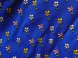 Serviette hygiénique lavable imperméable - Fleurs fond bleu roi