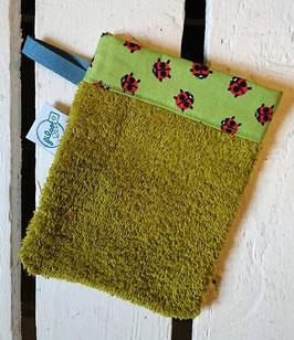 Gant de toilette d'apprentissage - Vert coccinelles