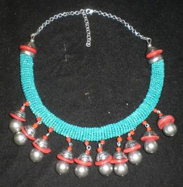 gargantilla tibetana turquesita con cascabeles