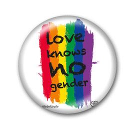 Love Knows No Gender Button Weiß