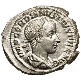 Gordianus III. (238-244) Diana mit Stabfackel
