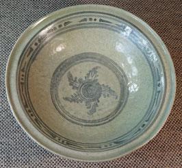 Glasierte Schale mit floralem Dekor - Südost-Asien Thailand/Vietnam - ca. 17 Jh.