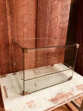 レトロなガラスケース