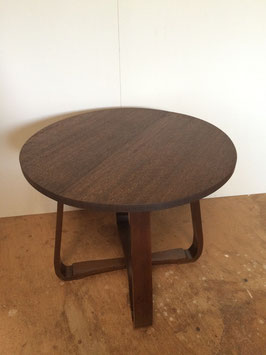 レトロモダンなサイドテーブル