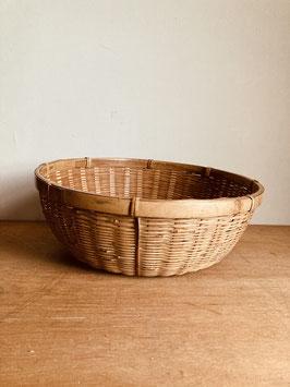 竹編みの水切りざる