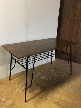 ラワン材の鉄脚テーブル
