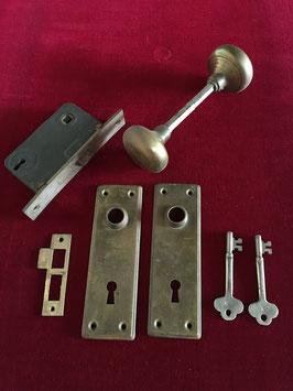 鍵もあります!真鍮のドアノブのセット