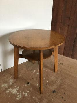 ナラ材の丸ティーテーブル