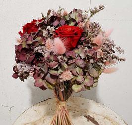 #6 Trockenblumenstrauß mit roten Forever Rosen und rosa