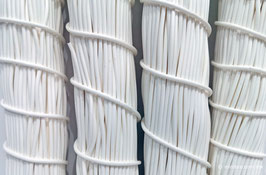 Cordón plástico de PVC blanco