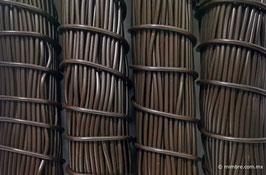 Cordón plástico de PVC café