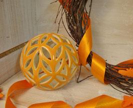 Orangenes Windlicht