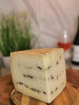 Canestrato Pepato - Schafskäse mit Pfeffer
