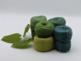 400g Garn aus Seide und Mohair in verschiedenen Grüntönen