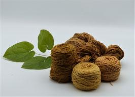 400g Pflanzengefärbte Naturgarne in den harmonischen Farben Ocker, Orangebraun, Altgold