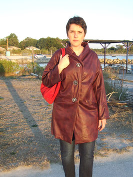 Manteau imitation peau aubergine