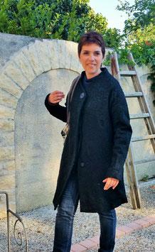 Manteau noir laine bouillie et dentelle, pièce unique