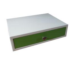 grüne Holzschublade/Wooden Drawer