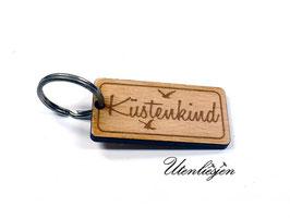 Küstenkind mit Möwen - Holz Schlüsselanhänger