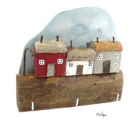 Treibholzdeko - Schlüsselbrett, 3 kleine Häuser, Straßenlaterne