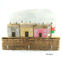 Treibholzdeko - Schlüsselbrett, 3 kleine Häuser, pastell