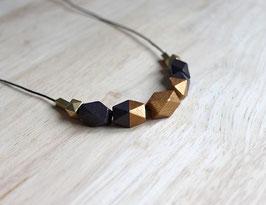 "Holzkette ""dunkelbraun-bronzegold"""