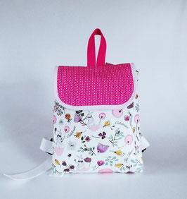 Kinderrucksack mit kleinen weißen Hasen und Namenskette//Baumwolle weiß-pink-beere//Kindergartentasche