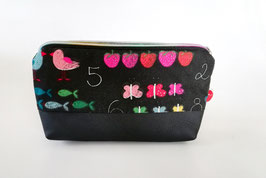 Krammäppchen, Kosmetiktasche, Reiseapotheke 1 x 1, Kunstleder-Baumwolle schwarz-bunt, Unikat, Handmade