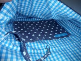 Umhängetasche Elise, graue abgesteppte Damentasche mit geblümter Taschenklappe in türkis, Handarbeit