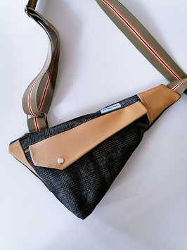 Slingbag Ernie//karierter Jeans kombiniert mit hellbraunem Kunstleder//Umhängetasche//Schultertasche//Handmade