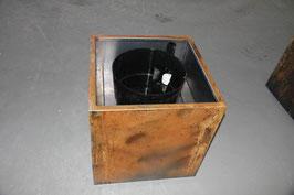 CORTen Stahl Pflanztrog 585 x 585 x 650 mit Bewässerungssystem