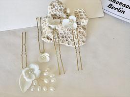 Vier Porzellan Blüten Stecknadeln Malva