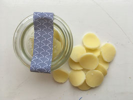 Handgemachte kleine Seifen im Weckglas mit Lavendelduft