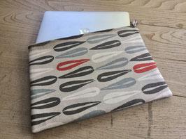 Tablet Bag für grosse Tablets - Liegend auf Sand