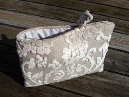 Tablet Bag für iPad Mini - Samtblumen auf Sand -